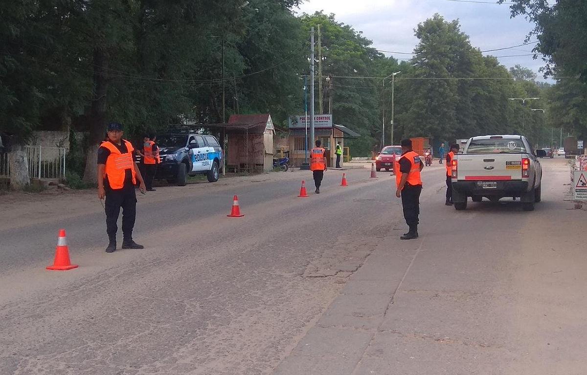 Se realizan controles en los ingresos a las provincias y también en las calles de la ciudad