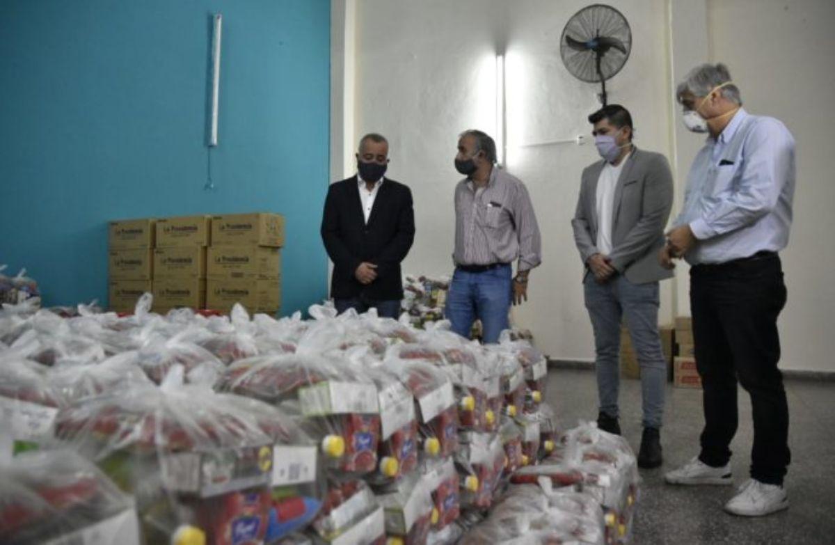 Entrega de módulos alimentarios en Tafí Viejo