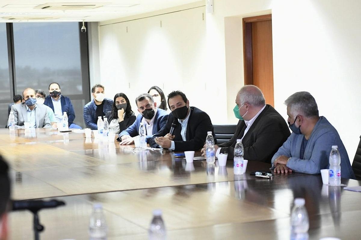 Reunión en la Legislatura por créditos del Banco Nación.