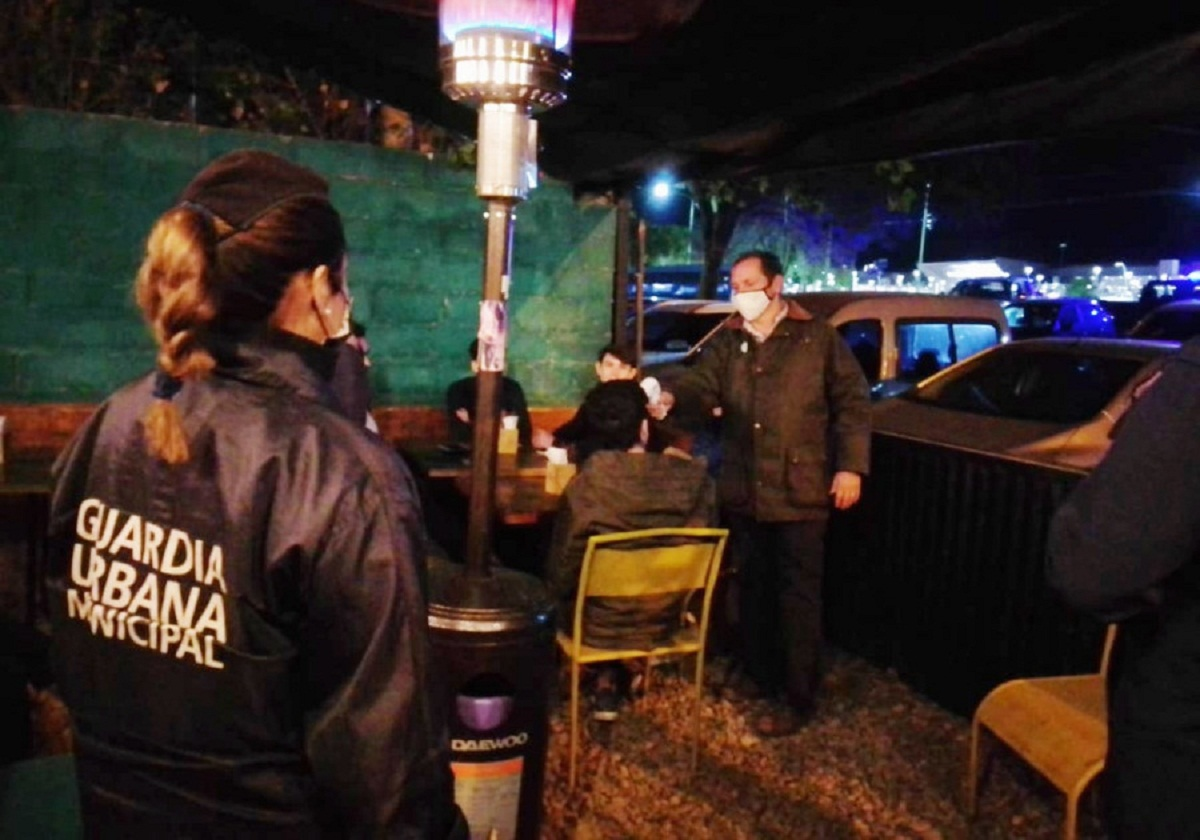 En Yerba Buena supervisan bares.