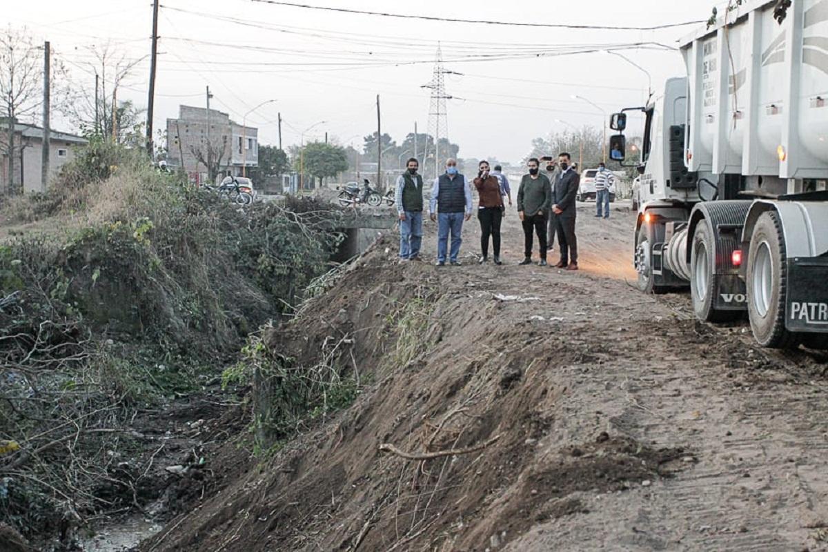 Manzur supervisa la obra pública en Aguilares.