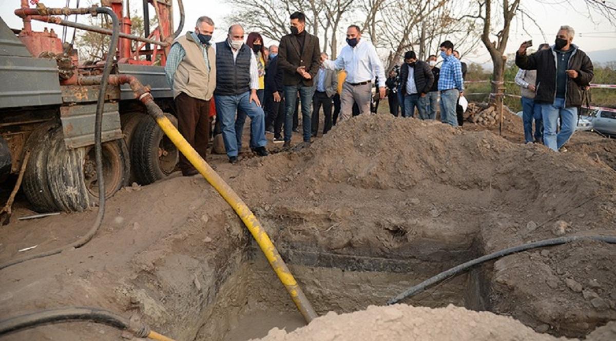 Pozo de agua beneficiará a 1500 personas.