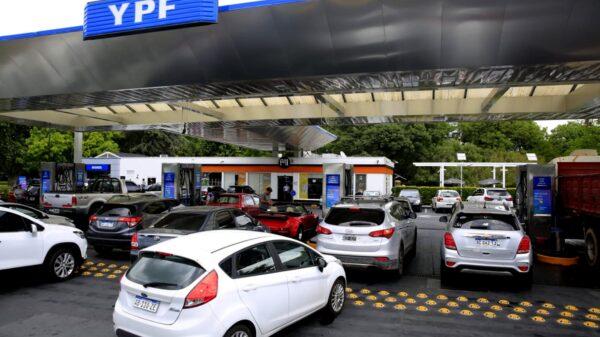 congelan precios de combustible
